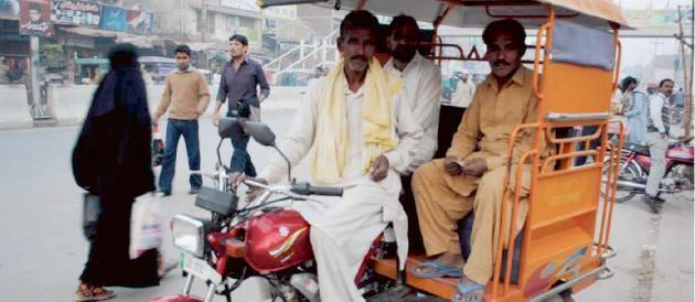 Tidning pakistan hjalper islamister